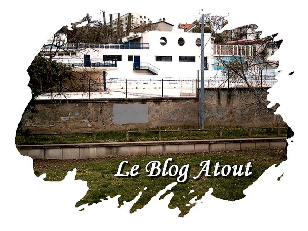 A oullins un bateau centerblog for Piscine oullins